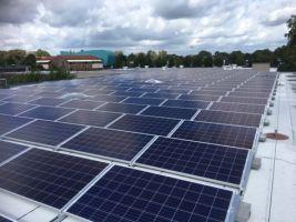 Europese aanbesteding voor 24.943 zonnepanelen op 31 scholen